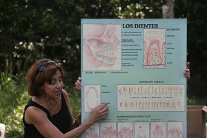 Terri Lisagor giving a demonstration on dental hygiene in Guatemala. Photo courtesy of Hissa Alsudairy.